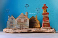 Villaggio portafoto in legno di mare/Driftwood photo holder village. #etsy #handmade #fattoamano #home #casa #wood #legno #woodworking #marine #marino #arredo #decorazioni #furniture #decorations #driftwood #legnodimare #portafoto #photoholder #reclaimed #upcycled #homedecor #etsyshop