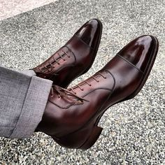 Food for eyes and spirit Sock Shoes, Men's Shoes, Dress Shoes, Shoes Men, Food For Eyes, Wolverine 1000 Mile, La Mode Masculine, Luxury Shoes, British Style