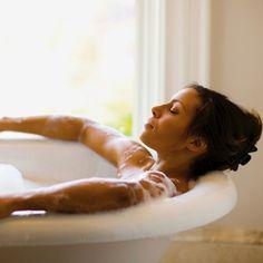 Le bain de protection contre les énergies négatives est extrêmement puissant et protège le corps contre toute influence négative.
