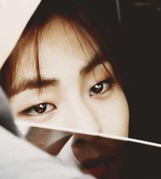 Xiumin. His eyes~ SO BEAUTIFUL ( * __ * )