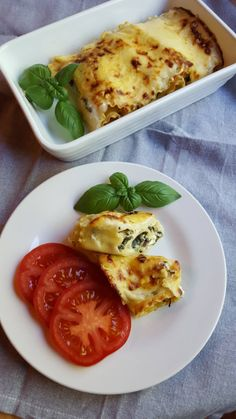 astridkokk – Grovt matpakkebrød i langpanne Veggie Recipes, Cake Recipes, Brie, Ricotta, Chapati, Tapas, Chutney, Baguette, Food And Drink