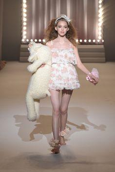 2011 S/S | LIZ LISA | Mercedes-Benz Fashion Week TOKYO Runway Fashion, Fashion Models, High Fashion, Fashion Show, Girly Outfits, Cute Outfits, Cute Dresses, Girls Dresses, Liz Lisa