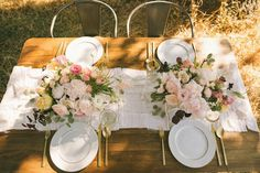 Two Stylish Summer Table Settings // Glitter Guide // Shotgun Floral Studio // Delbarr Moradi Photography