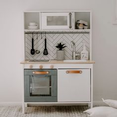 Ikea kids kitchen hack – One Mum's Style - Ikea DIY - The best IKEA hacks all in one place Decor, Kids Room, Ikea Diy, Kids Play Kitchen, Kitchen Decor, Ikea Kids, Ikea, Ikea Kids Kitchen, Ikea Kitchen