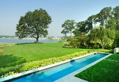 Having a pool sounds awesome especially if you are working with the best backyard pool landscaping ideas there is. How you design a proper backyard with a pool matters. Small Backyard Pools, Backyard Pool Landscaping, Small Pools, Outdoor Pool, Pool Decks, Landscaping Tips, Outdoor Spaces, Langer Pool, Moderne Pools