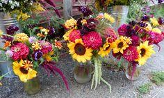 Sunflower & zinnia table vases