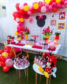 minnie mouse birthday party в 2019 г. Minnie Mouse Birthday Theme, Mickey Mouse Birthday Decorations, Baby Girl Birthday, Rainbow Birthday, Minnie Mouse Party, Mouse Parties, 2nd Birthday Parties, Sunflower Party, Ideas