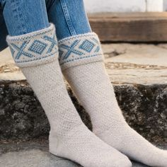 DG370 Dale Gull - Cortina anno 1956 | Dale Garn High Socks, Beige, Fashion, Threading, Taupe, Moda, Thigh High Socks, Fashion Styles, Stockings