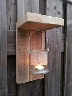 Cozy candles in the garden with these homemade lanterns, 10 great ideas! - DIY craft ideas Source by Coaster Furniture, Diy Furniture, Outdoor Projects, Wood Projects, Scaffolding Wood, Diy Holz, Simple House, Wood Pallets, Garden Inspiration