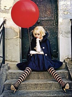 Love the tights!                                            Vogue Italia June 2007
