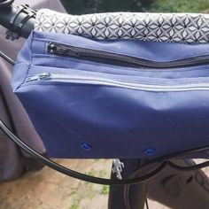 Trousse Zip-Zip en toile bleue cousue par Karine - Patron Sacôtin