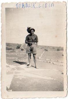 Umberto Albani, classe 1920, Trento motorizzata. Lo hanno ferito nel '41, portato a Cape Town e poi imbarcato su una nave x l'Inghilterra. La prima nave è affondata e con la seconda è arrivato in Inghilterra. È stato mandato in fattoria a Carlisle nel Qumberland, ora al suo posto delle baracche ci sono delle casette a schiera..