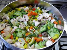 SMART STARTER Start your meals eating salad or vegetable soup to satisfy your hunger and to control your portions.