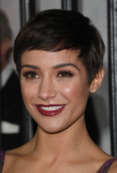 Frankie Bridge Photos - Frankie Bridge attends The Sun Military Awards at Banqueting House on December 2017 in London, England. - The Sun Military Awards 2017 - Red Carpet Arrivals Bob Hairstyles For Fine Hair, Short Pixie Haircuts, Haircuts With Bangs, Pixie Hairstyles, Short Hair Cuts, Red Pixie Haircut, Frankie Sandford Hair, Super Short Hair, Great Hair