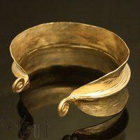 Karuni, Fulani cuff bracelet