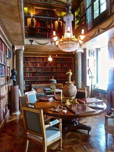Jacques Garcia ~ library at champ de bataille