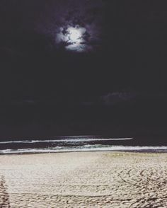 Everything was an adventure at night when you were where you shouldn't be even if it was somwhere you could go perfectly well in daylight and it was then only ordinary. #surfersparadise #surfersparadisebeach #queensland #australia #aussie #downunder #oz #exploreeverything #night #dark #feelfree #mind #moments #though #moon #fullmoon #ocean #adventure by do_mi_nik_ http://ift.tt/1PI0tin