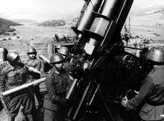 Slovak Anti-Aircraft Gunners operating a cm FlaK Pin by Paolo Marzioli Interwar Period, The Third Reich, Military Weapons, Armed Forces, World War Two, Old Photos, Ww2, Air Force, Guns