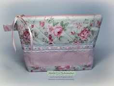 A postagem desta semana é novamente de uma linda necessaire feita em tecido, porém num estilo mais romântico. A combinação da estampa flora...