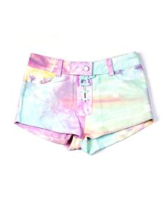 Unicorns do exist. Not exactly the magical creature but magical enough. These drawstring shorts are a must have and come in plain colours or tie dye or print.* 100% cotton denim* Cool wash* 30cm length* Made in Indonesia* Model wears size S