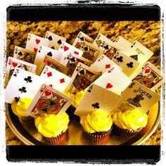 Cards in the cupcakes- & we could put a number on the back of a random card for someone to win a prize! Casino Party Games, Casino Night Party, Casino Theme Parties, Party Themes, Party Ideas, Vegas Theme, Vegas Party, Casino Royale, Peter O'toole