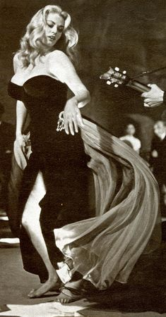"""The """"star dello spettacolo"""" black velvet gown worn by Anita Ekberg in La Dolce Vita"""