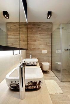 Hlavní koupelna u ložnice rodičů poskytuje plný komfort #interiordesign