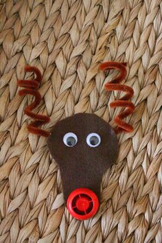 Reindeer Ornament with Baby Food Pouch Lid Nose Craft Idea
