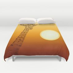 Decorate your bed with this beautiful and popular duvet cover by Emese Horvath. Duvet covers that feature the original graphics by Emese Horvath. Trying to bring nature inspired designs into your homes with beautiful home decor.  Giraffe and Sun  - ultra soft microfiber duvet cover - hand sewn - lightweight - light cream reverse side - durable hidden zipper - machine washable, cold water, gentle cycle, mild detergent - insert not included  They are threaded finer than a human hair to give…