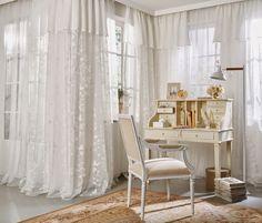 Suri de Saum und Viebahn | Los visillos románticos de la colección. / Els cortines romàntiques de la col·lecció.