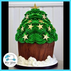 Christmas Tree Giant Cupcake Cake