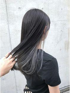 アクア アオヤマ(ACQUA aoyama) 《個性的+モード+黒髪》インナーカラーグレー Long Hair Highlights, Hair Color Streaks, Dip Dye Hair, Dyed Hair, Hidden Hair Color, Hair Color Underneath, Asian Short Hair, Brown Blonde Hair, Aesthetic Hair