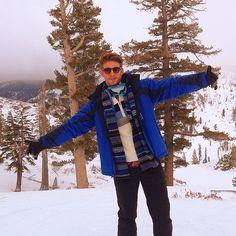 Heath Hutchins / Heading down squaw #laketahoe #skiing #izod #squaw #mountain