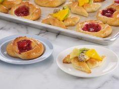 Brioche danesa y molinos con frutas