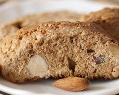 Cantuccini ou croquants aux amandes et fleur d'oranger sans beurre : http://www.fourchette-et-bikini.fr/recettes/recettes-minceur/cantuccini-ou-croquants-aux-amandes-et-fleur-doranger-sans-beurre.html