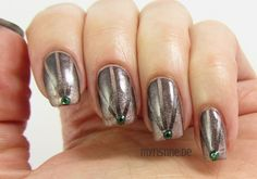 Reciprocal Gradient Nails mit Out Of The Dark (CATRICE, Ultimate Nail Lacquer)