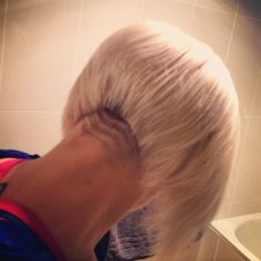 Lovely concave bob with a very special nape shave. 10/10 !