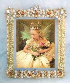 Porta retrato em pedrarias Lindo para enfeite de mesa de aniversário ou para decoração de casa Tamanho do porta retrato: 28 x 23 cm Tamanho da foto: 23 x 19 cm