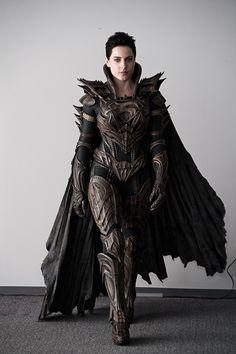 Faroa El (Olivia Black) in Kryptonian Armour Fantasy Gowns, Fantasy Armor, Fantasy Character Design, Character Inspiration, Female Armor, Leather Armor, Olivia Black, Armor Concept, Mädchen In Bikinis