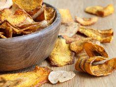 Pastinaak chips met komkommerdip