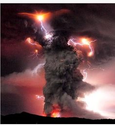 Chile Volcano Plume Explodes With Lightning
