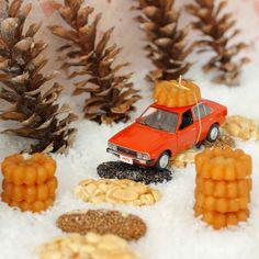 #고향 가는 길 #마음 은 가볍게, #양손 은 무겁게!  #Always a#delighted #mind and#demanding in #hands when #you are going #home !  #Hyundai_motor #Pony #diecast #car #old_car #toy #wish #Korea #Going_home #daily #현대자동차 #포니 #새해 #설날 #고향 #고잉홈 #자동차 #장난감 #다이캐스트 #올드카