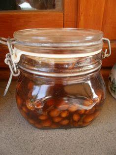 LE RICETTE DI CHARA: Liquore di noccioli di ciliegie