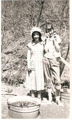 Antique Photo of Appalachian farm girls, Kentucky