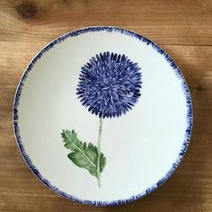 The most beautiful dishes © Azarraluqui Pottery Plates, Ceramic Plates, Ceramic Pottery, Decorative Plates, Pottery Painting, Ceramic Painting, Ceramic Cafe, Painted Plates, Sharpie Art