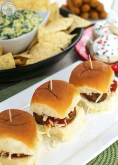The easiest meatball sliders you will ever make! With the help of KING'S HAWAIIAN® Sweet Dinner Rolls, you've got yourself a perfect party appetizer. Appetizer Recipes, Snack Recipes, Cooking Recipes, Snacks, Appetizers, Dinner Recipes, Sweet Dinner Rolls, Meatball Sliders, Slider Sandwiches