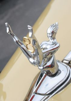 I want this for my car!!! V8 hood ornament