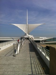 Milwaukee Art Museum, designed by Calatrava. this makes me pretty proud that I live in Milwaukee