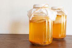 Kombucha - účinky, recept na prípravu + kde je na predaj Kombucha Benefits, Health Benefits, Make Your Own Kombucha, Sugar Glass, Fermented Tea, Tea Recipes, Food Print, Homemade, Recipes