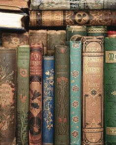 """♡ on Twitter: """"… """" Slytherin Aesthetic, Harry Potter Aesthetic, Book Aesthetic, Aesthetic Pictures, Old Books, Vintage Books, Antique Books, Picsart, Aesthetic Wallpapers"""